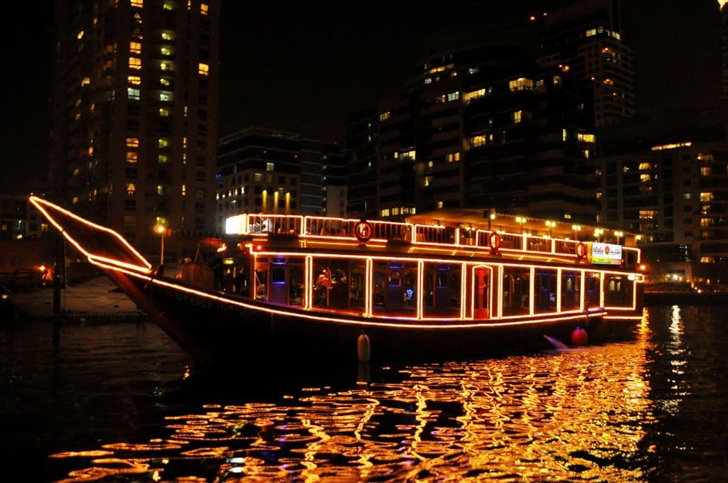 sightseeing on dhow cruise